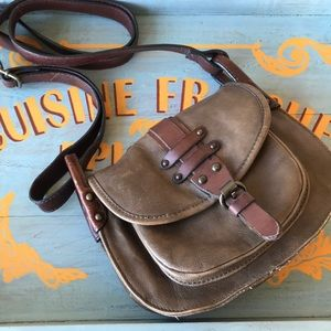 Khaki/brown leather crossbody bag.